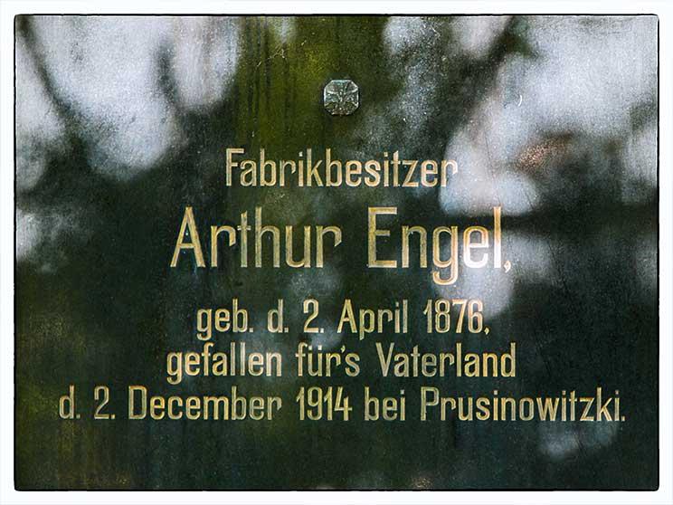 Grabstein Artur der Engel